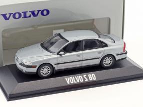 Volvo S80 silver blue metallic 1:43 Minichamps
