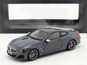 BMW 8 Series Coupe Baujahr 2019 Barcelona blau metallic 1:18 Norev