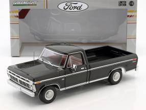 Ford F-100 Pick-Up year 1973 black 1:18 Greenlight