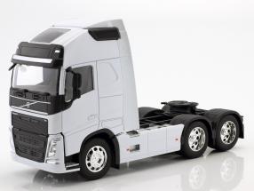 Volvo FH (6x4) Sattelzugmaschine Baujahr 2016 weiß 1:32 Welly