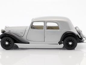 Citroen Traction 11CV Baujahr 1937 silber / schwarz