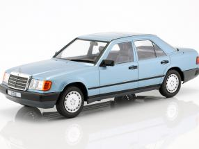 Mercedes-Benz 300 E (W124) limousine year 1984 light blue metallic 1:18 Model Car Group