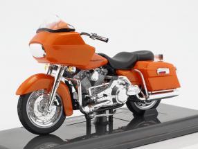 Harley-Davidson FLTR Road Glide Baujahr 2002 orange 1:18 Maisto