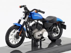 Harley-Davidson XL 1200N Nightster Baujahr 2012 blau 1:18 Maisto