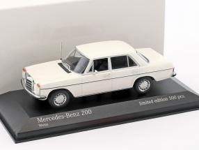 Mercedes-Benz 200D (W115) year 1968 1:43 Minichamps