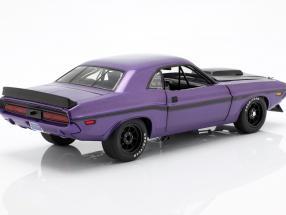 Dodge Challenger year 1970 violet