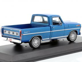 Ford F-100 Pick up Truck year 1970 blue metallic
