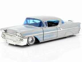 Chevy Impala Hard Top year 1958 silver gray / blue 1:24 Jada Toys