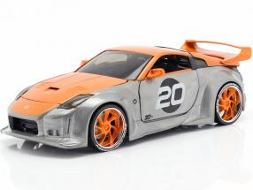 Nissan 350Z #20 year 2003 silver / orange 1:24 Jada toys