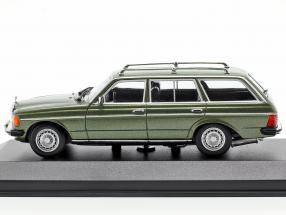 Mercedes-Benz 230 TE (W123) year 1982 green metallic