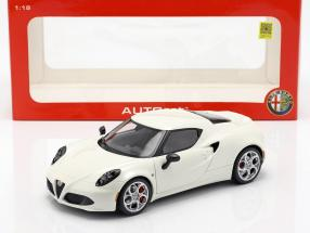 Alfa Romeo 4C Year 2013 cream white 1:18 AUTOart