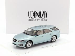 Saab 9-5 Sportcombi Baujahr 2010 gletschersilber 1:18 DNA Collectibles