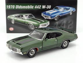 Oldsmobile 442 W-30 year 1970 green / black 1:18 GMP