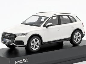 Audi Q5 ibis white 1:43 iScale