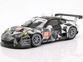 Porsche 911 RSR #88 24h LeMans 2015 Ried, Bachler, Al Qubaisi 1:18 Spark