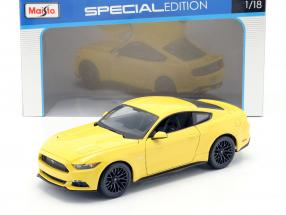 Ford Mustang Year 2015 yellow 1:18 Maisto