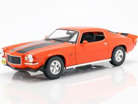 Chevrolet Camaro year 1971 orange / black 1:18 Maisto