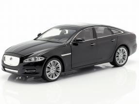 Jaguar XJ (X351) year 2010 black 1:24 Welly