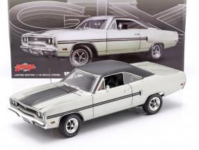 Plymouth GTX year 1970 silver metallic / black 1:18 GMP