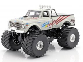 Chevrolet K-10 USA-1 Monster Truck year 1970 white 1:43 Greenlight