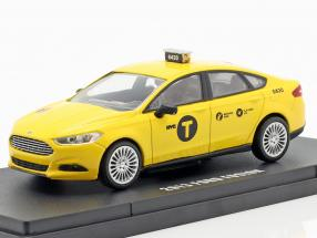 Ford Fusion NYC Taxi year 2013 yellow 1:43 Greenlight