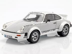 Porsche 911 Walter Röhrl x 911 white / black 1:18 Schuco