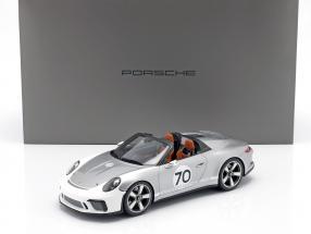 Porsche 911 (991 II) Speedster Concept #70 Heritage Edition silver with showcase 1:18 Spark