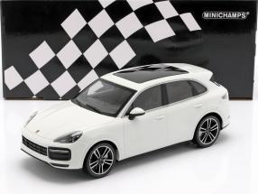 Porsche Cayenne Turbo S year 2017 white