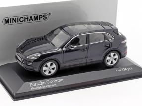 Porsche Cayenne Construction year 2017 dark blue metallic 1:43 Minichamps