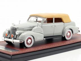 Cadillac V16 Series 90 Fleetwood Sedan Closed Top year 1938 grey 1:43 GLM