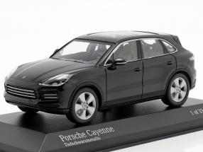 Porsche Cayenne year 2017 deep black metallic 1:43 Minichamps