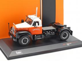 Mack B 61 Truck year 1953 orange / white 1:43 Ixo