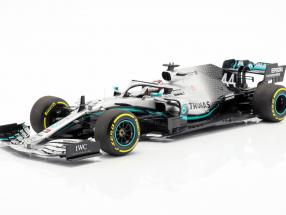 L. Hamilton Mercedes-AMG F1 W10 EQ #44 Formula 1 World Champion 2019 1:18 Minichamps