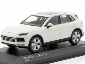 Porsche Cayenne year 2017 white 1:43 Minichamps