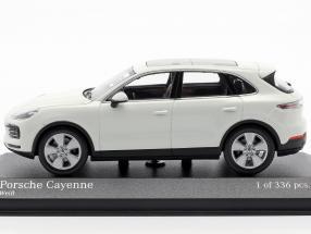 Porsche Cayenne year 2017 white