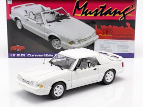 Ford Mustang LX Convertible year 1993 white 1:18 GMP