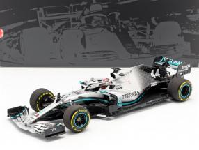 L. Hamilton Mercedes-AMG F1 W10 EQ #44 formula 1 World Champion 2019 1:18 Minichamps