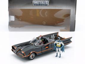 Batmobile with Batman and Robin figure Classic TV-Serie 1966 1:24 Jada Toys