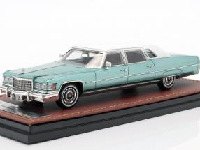 Cadillac Fleetwood Series 75 year 1976 light green 1:43 GLM