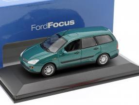Ford Focus Kombi green metallic 1:43 Minichamps
