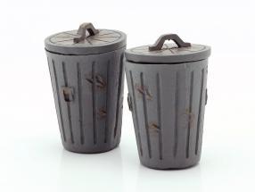 Set With 2 trash cans grey 1:18 American Diorama