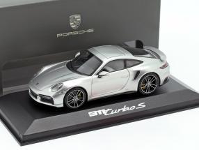 Porsche 911 (992) Turbo S Baujahr 2020 GT-silber 1:43 Minichamps