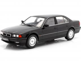 BMW 740i E38 1.Serie Baujahr 1994 schwarz metallic 1:18 KK-Scale