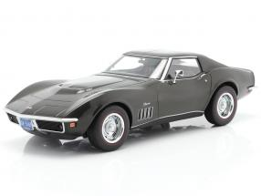 Chevrolet Corvette year 1969 dark green metallic 1:18 Norev