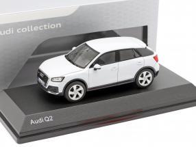Audi Q2 glacier white 1:43 iScale