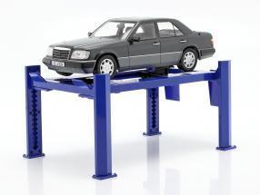 Adjustable Four-post lift blue for Model Cars in 1:18 Greenlight