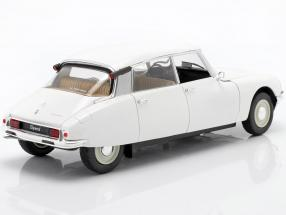 Citroen DS year 1972 white