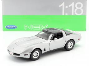 Chevrolet Corvette Coupe Year 1982 silver 1:18 Welly