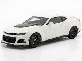 Chevrolet Camaro ZL1 year 2017 summit white 1:18 AUTOart