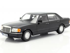 Mercedes-Benz 560 SEL S-class (W126)  year 1985 black 1:18 iScale